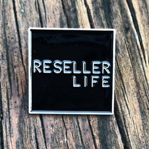 Reseller Life • Posh Swag, Accessory New Lapel Pin